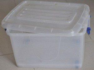 Клетка из пластикового контейнера